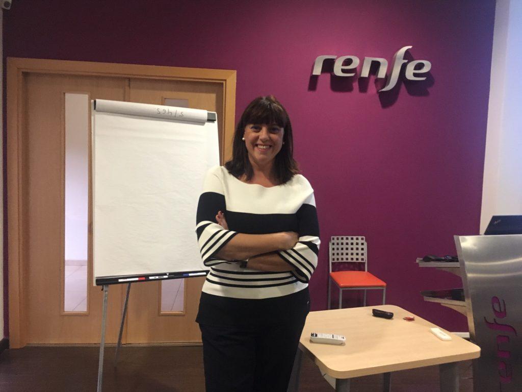 Esther Bienes, en el centro de formación de Renfe