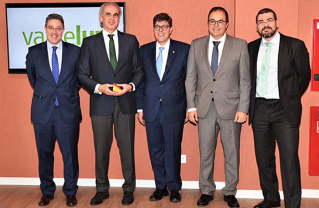 Foto del consejero de Sanidad de la Comunidad de Madrid, Enrique Ruiz, y el alcalde de Leganés, Santiago Llorente