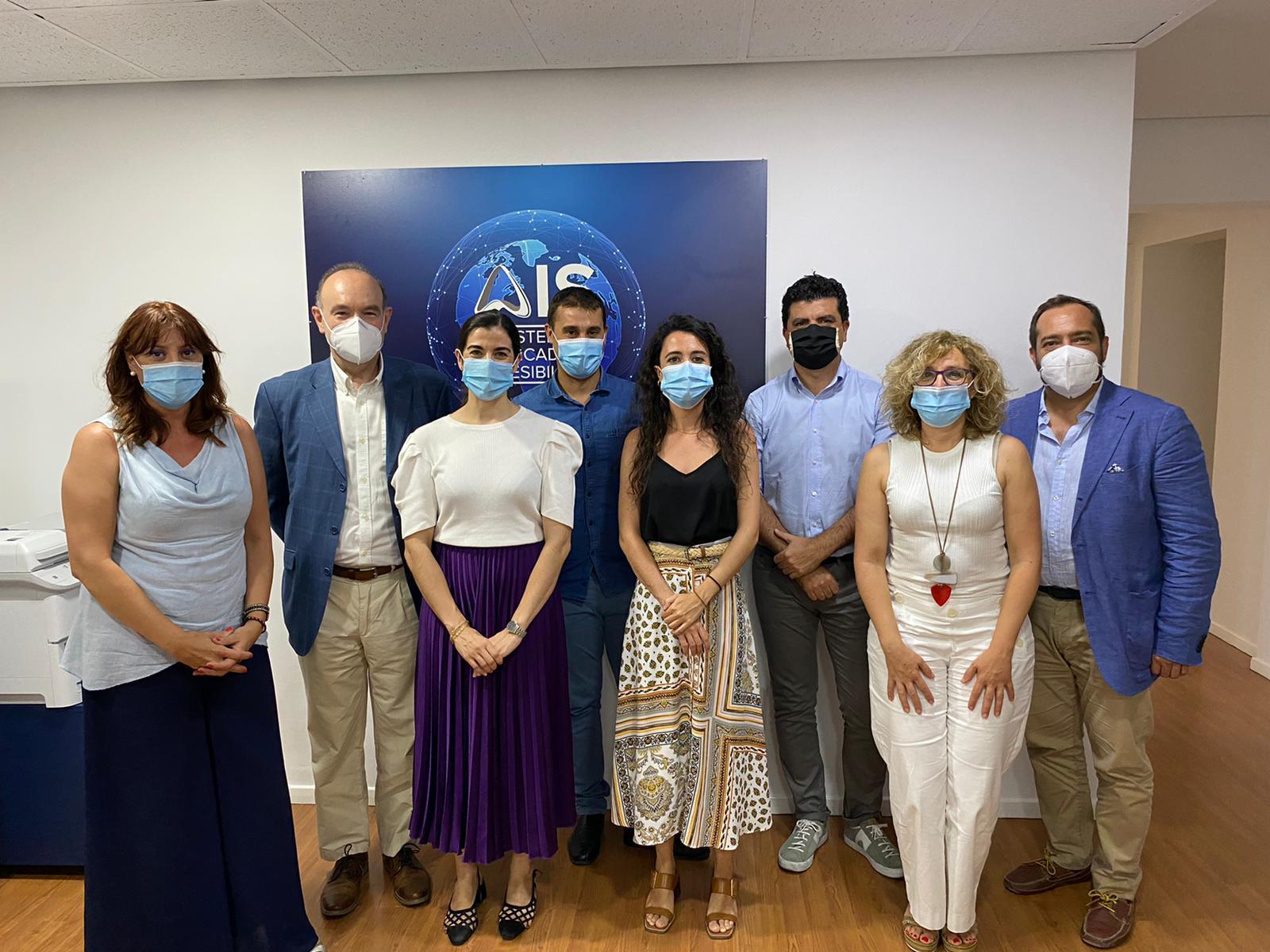 Imagen de grupo de los participantes en el Programa con los nuevos Técnicos Homologados