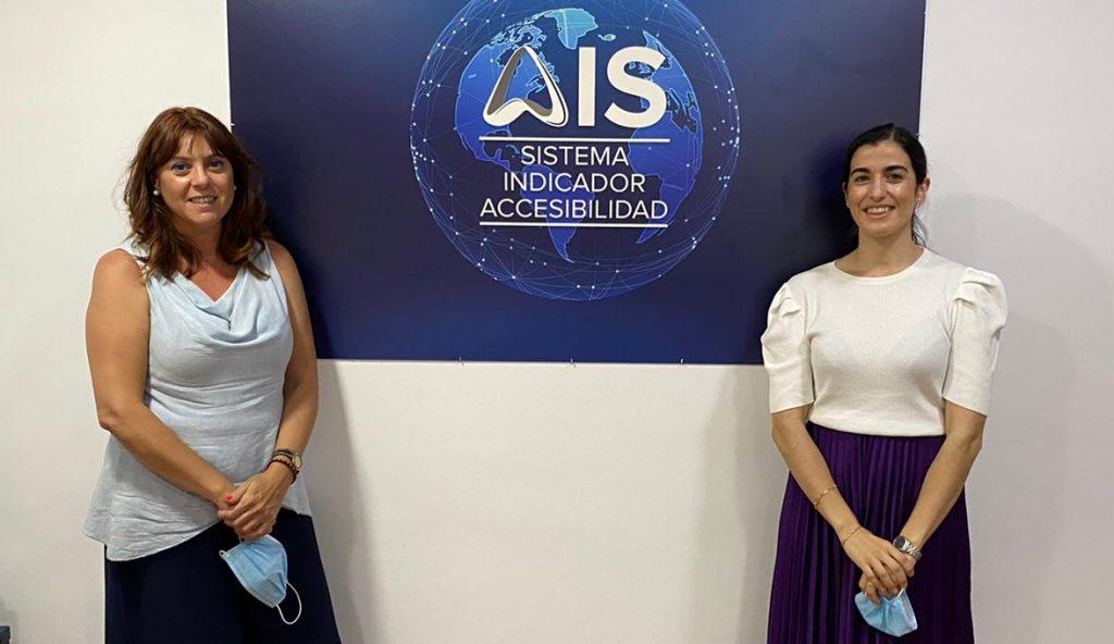 Viviana Otero, Técnico Homologado AIS de Deloitte, junto a la Presidenta de Fundación ARS