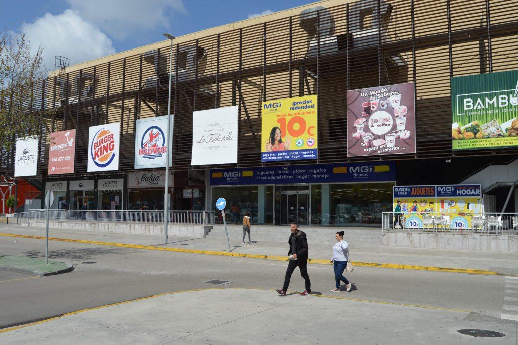 Fachada de Bahía Plaza, certificado con el Protocolo AIS-COVID