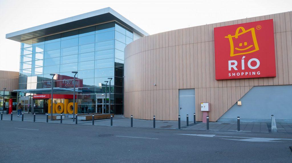 Fachada del centro comercial Río Shopping Valladolid